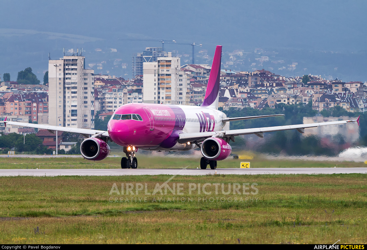 Wizz Air HA-LWL aircraft at Sofia