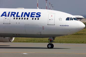 TC-JIZ - Turkish Airlines Airbus A330-200