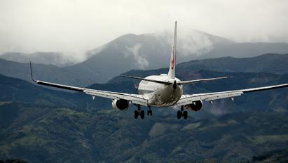 JA348J - ANA - All Nippon Airways Boeing 737-800
