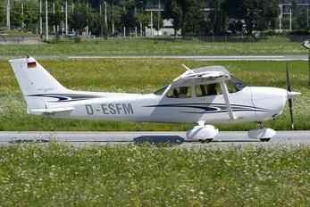 D-ESFM - Private Cessna 172 Skyhawk (all models except RG)