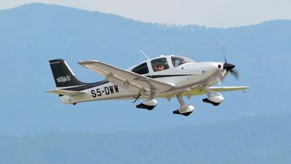 S5-DWW - Private Cirrus SR22