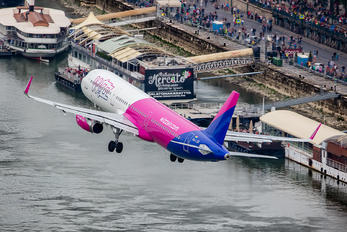 HA-LXD - Wizz Air Airbus A321