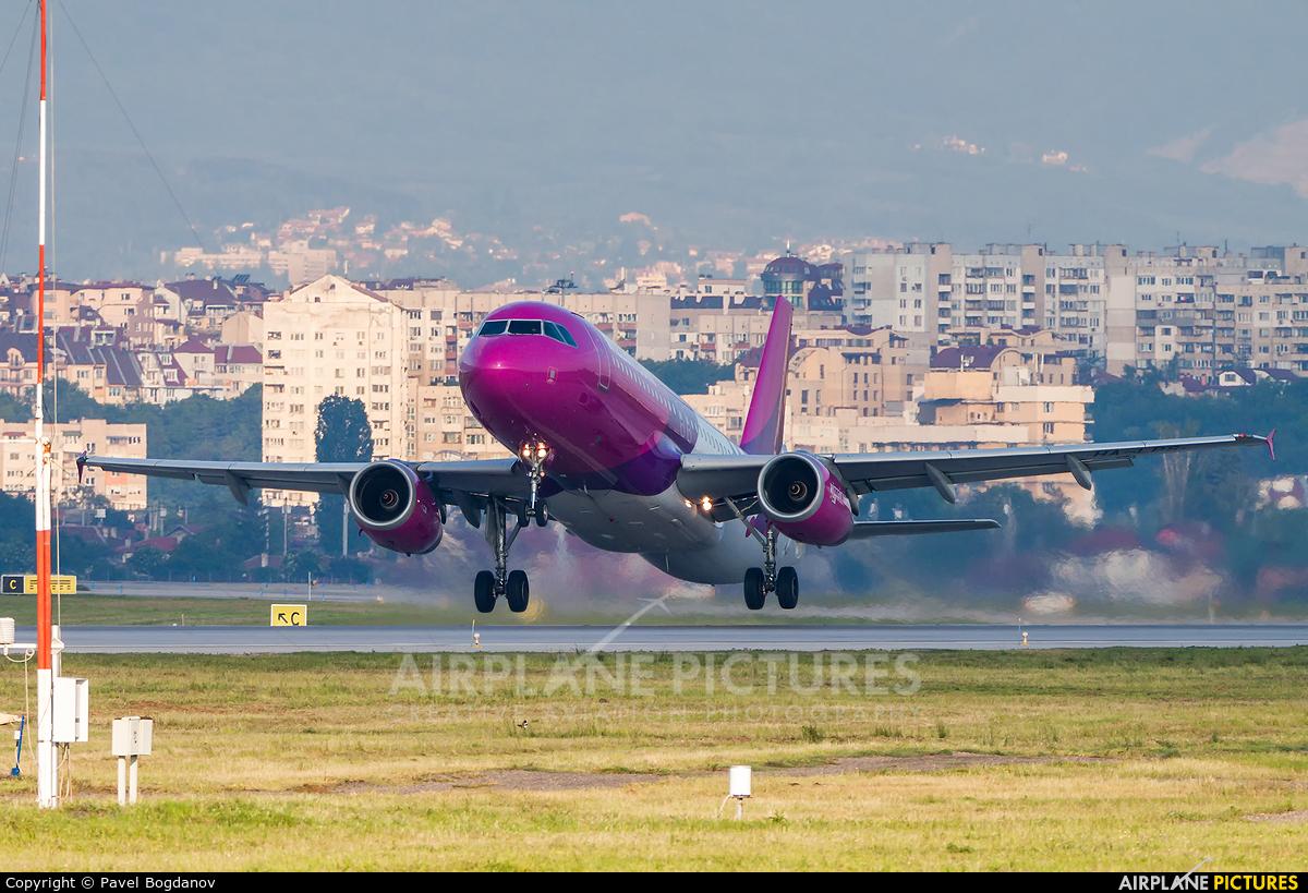 Wizz Air HA-LPS aircraft at Sofia