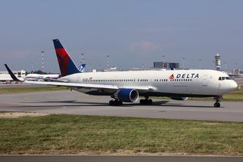N177DN - Delta Air Lines Boeing 767-300ER
