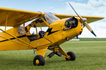 SP-AWP - Private Piper J3 Cub