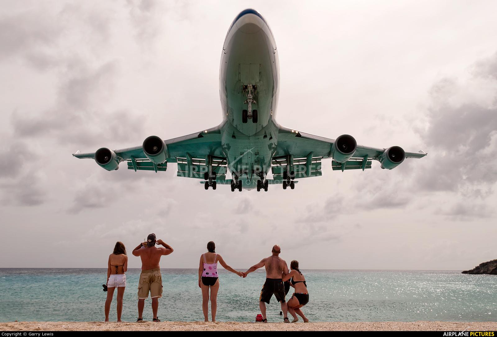 пляж в пхукете где садятся самолеты как часто гусиные