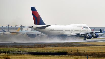 N668US - Delta Air Lines Boeing 747-400