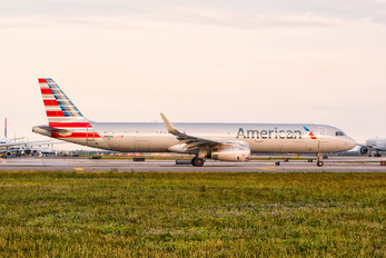 N116AN - American Airlines Airbus A321