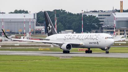 N653UA - United Airlines Boeing 767-300ER