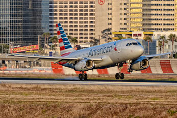 N808AW - American Airlines Airbus A319
