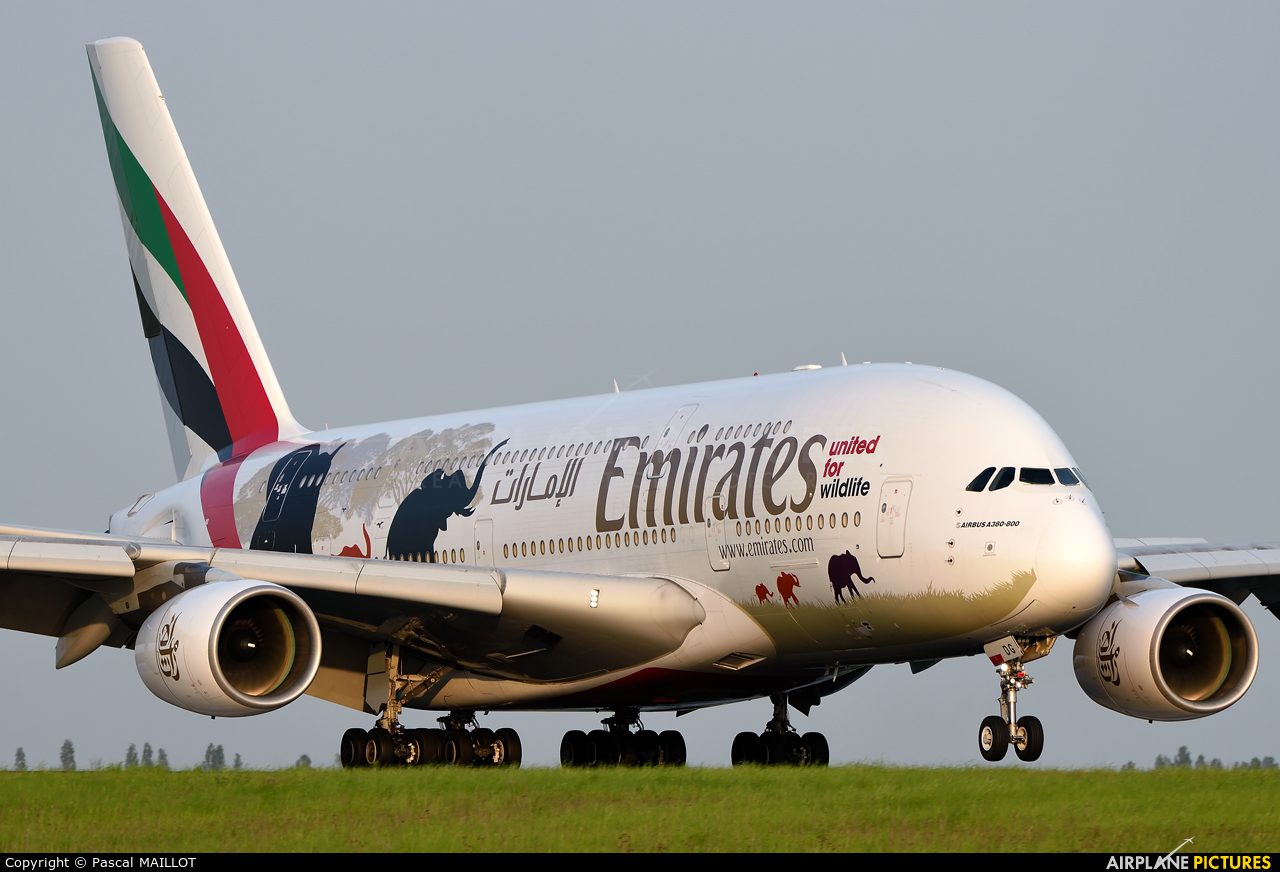 Emirates Airlines A6-EDG aircraft at Paris - Charles de Gaulle