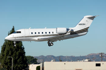 N993SA - Private Bombardier Challenger 600