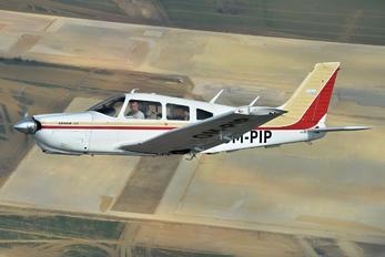 OM-PIP - Private Piper PA-28 Arrow
