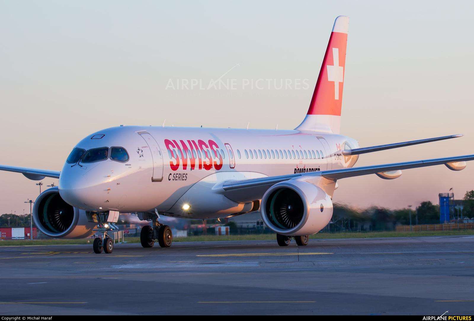 Swiss C-GWXZ aircraft at Dublin
