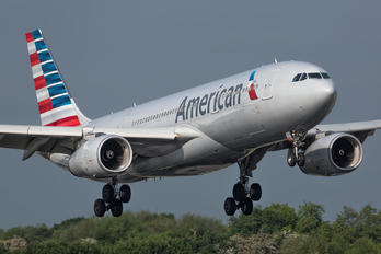N280AY - American Airlines Airbus A330-200