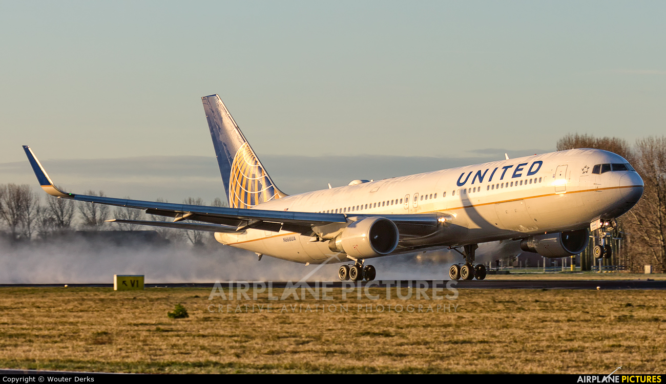 United Airlines N666UA aircraft at Amsterdam - Schiphol
