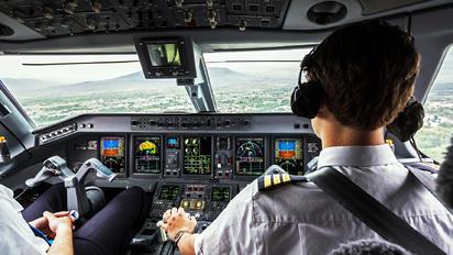 PH-EZB - KLM Cityhopper Embraer ERJ-190 (190-100)