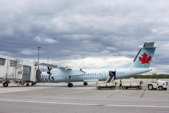 C-GUJZ - Air Canada Express de Havilland Canada DHC-8-400Q / Bombardier Q400