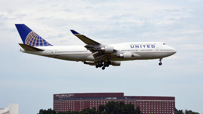 N182UA - United Airlines Boeing 747-400