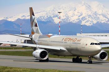 A6-EYH - Etihad Airways Airbus A330-200