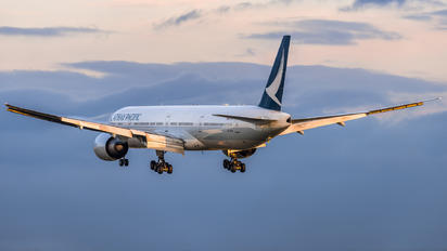 B-KPM - Cathay Pacific Boeing 777-300ER