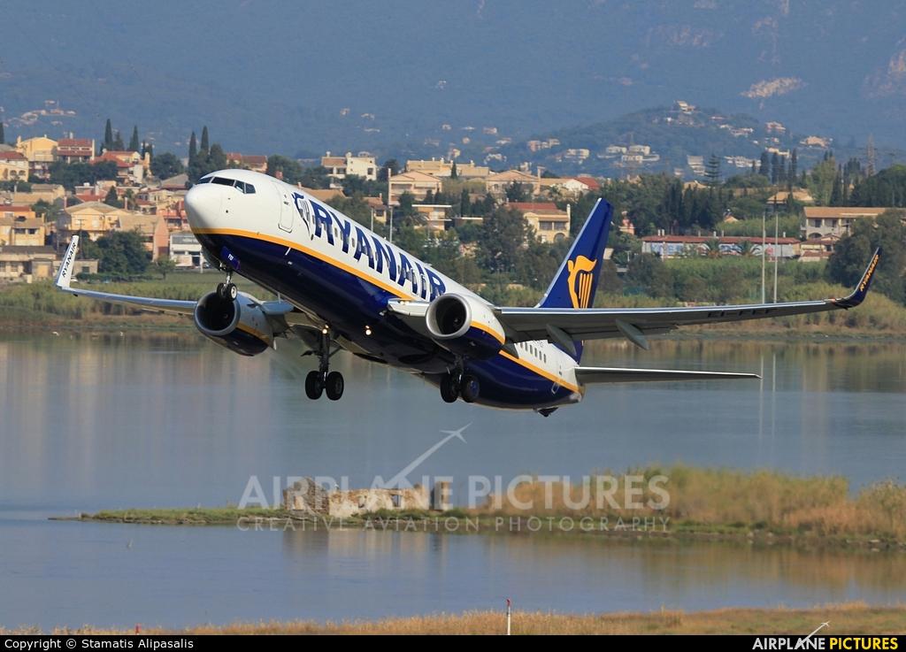 Ryanair EI-FEF aircraft at Corfu - Ioannis Kapodistrias