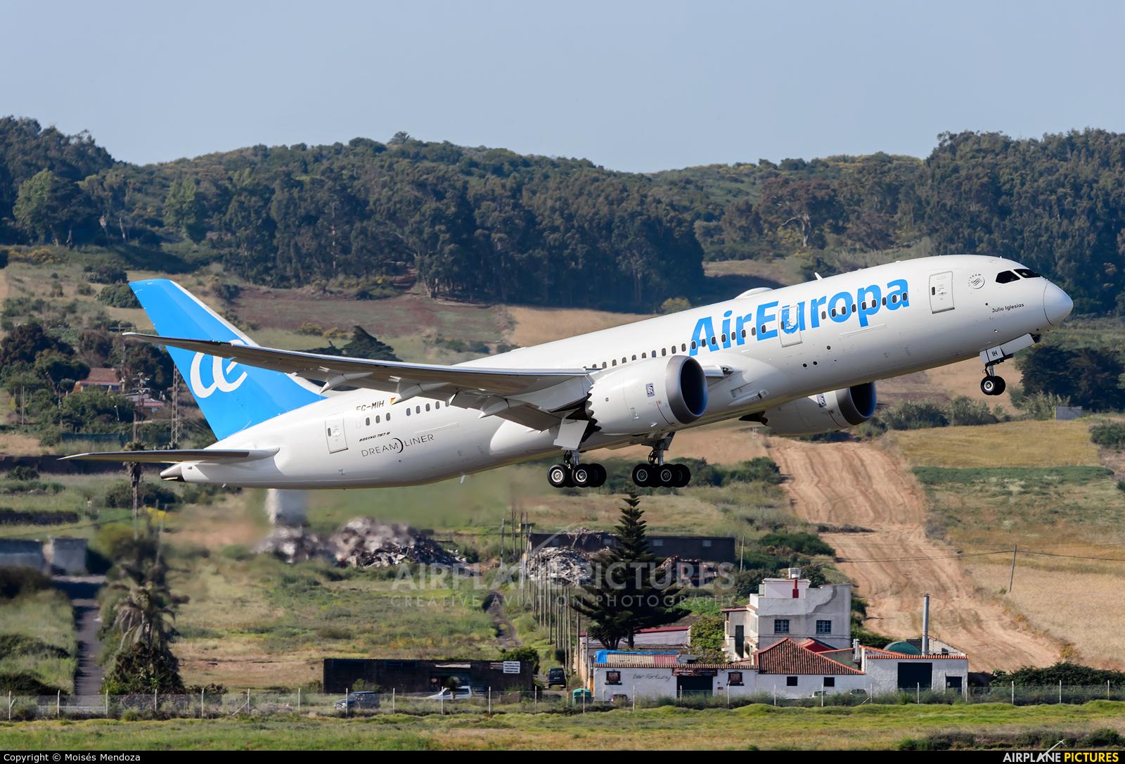 Ec mih air europa boeing 787 8 dreamliner at tenerife for Interior 787 air europa