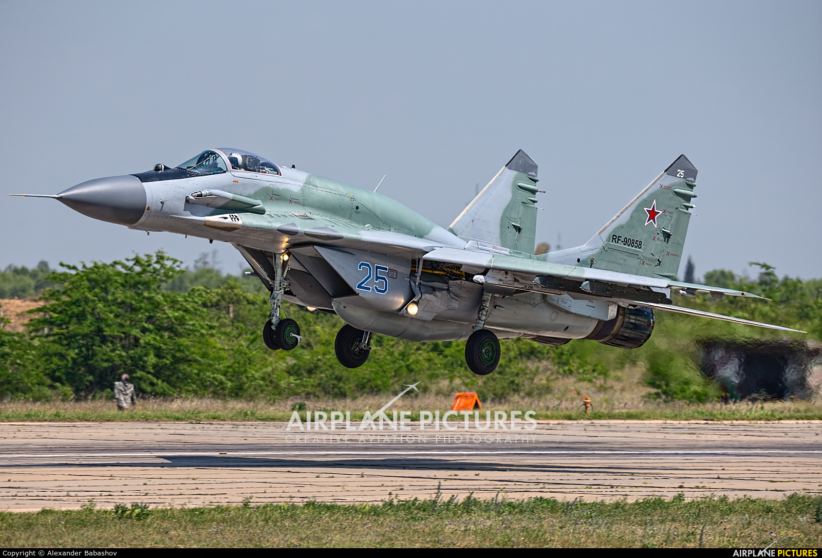 Russia - Air Force Mikoyan-Gurevich MiG-29SMT RF-90858