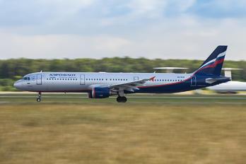 VQ-BHM - Aeroflot Airbus A321