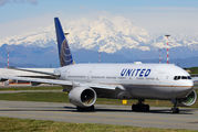 N781UA - United Airlines Boeing 777-200 aircraft