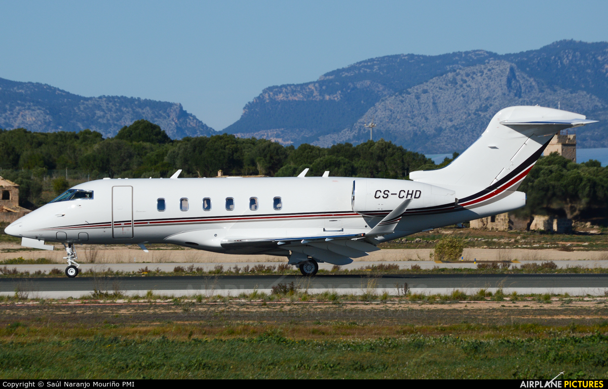 NetJets Europe (Portugal) CS-CHD aircraft at Palma de Mallorca
