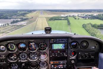 PH-LFA - Private Cessna 172 Skyhawk (all models except RG)