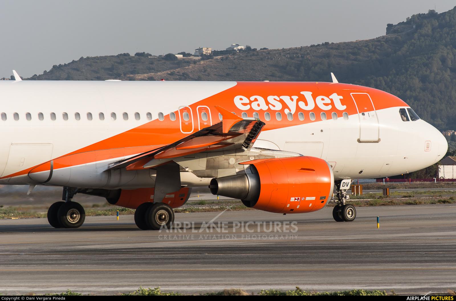 easyJet G-EZDV aircraft at Málaga