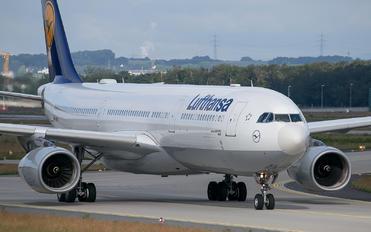 D-AIKK - Lufthansa Airbus A330-300