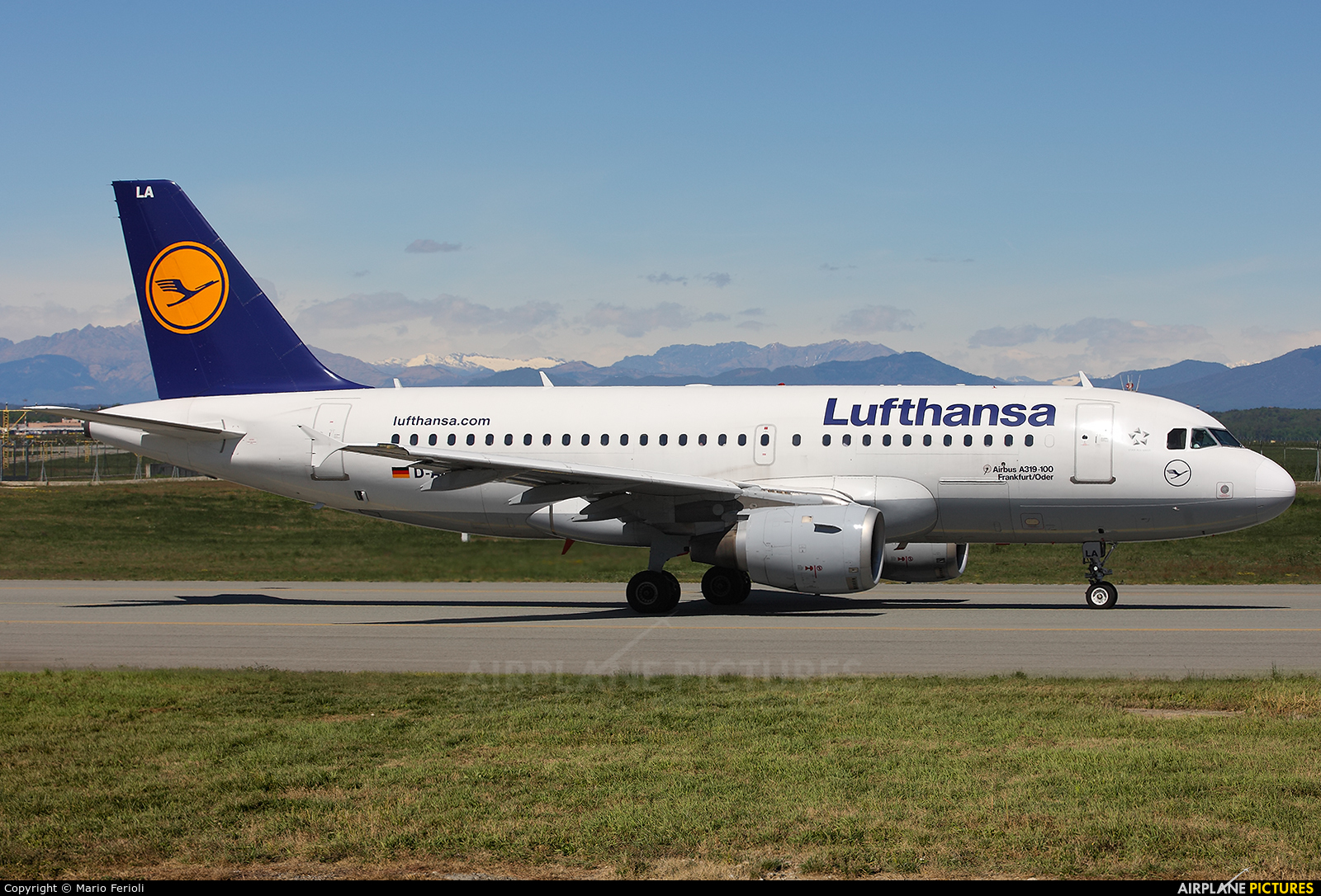 Lufthansa D-AILA aircraft at Milan - Malpensa