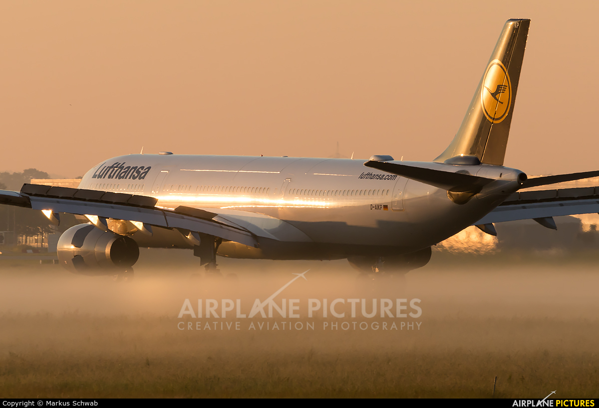 Lufthansa D-AIKP aircraft at Munich