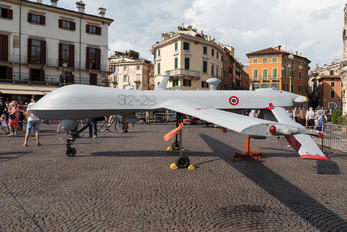 32-28 - Italy - Air Force General Atomics Aeronautical Systems MQ-1 Predator