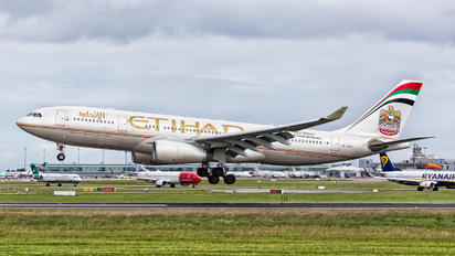 A6-EYO - Etihad Airways Airbus A330-200