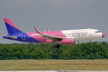 HA-LYT - Wizz Air Airbus A320