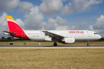 EC-LRG - Iberia Airbus A320
