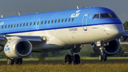 PH-EXB - KLM Cityhopper Embraer ERJ-190 (190-100)