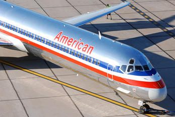 N466AA - American Airlines McDonnell Douglas MD-82