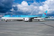 HL8250 - Korean Air Boeing 777-300ER aircraft