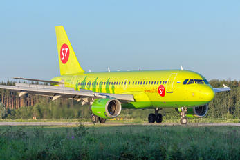 VP-BTO - S7 Airlines Airbus A319