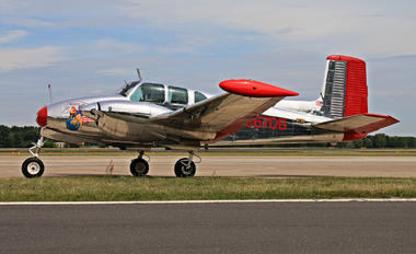 N3670B - Private Beechcraft 50 Twin Bonanza