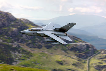ZA462 - Royal Air Force Panavia Tornado GR.4 / 4A
