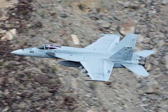 166789 - USA - Navy Boeing F/A-18E Super Hornet