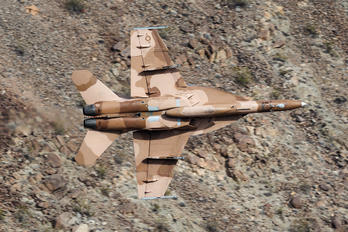 165679 - USA - Navy Boeing F/A-18F Super Hornet