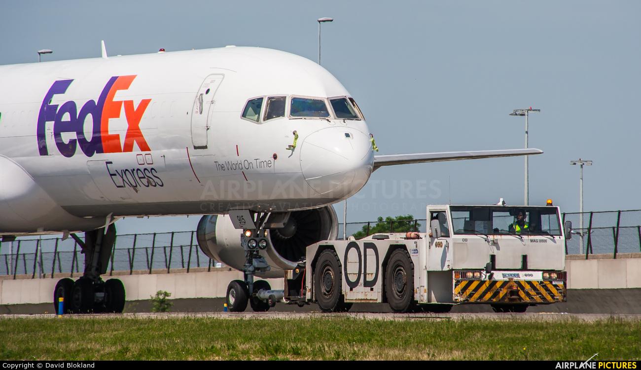 FedEx Federal Express N915FD aircraft at Amsterdam - Schiphol