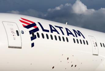 CC-BGL - LATAM Boeing 787-9 Dreamliner